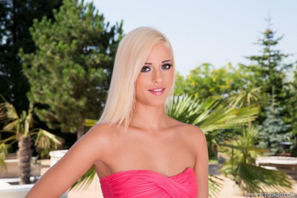 Beautiful blonde Ria Sunn