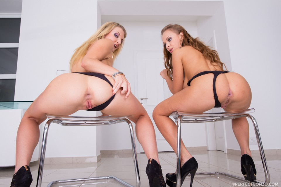 Shocking bubble butts